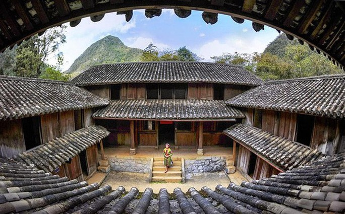 Bộ VH-TT-DL làm việc với Hà Giang về quyền sử dụng dinh thự vua Mèo - Ảnh 1.