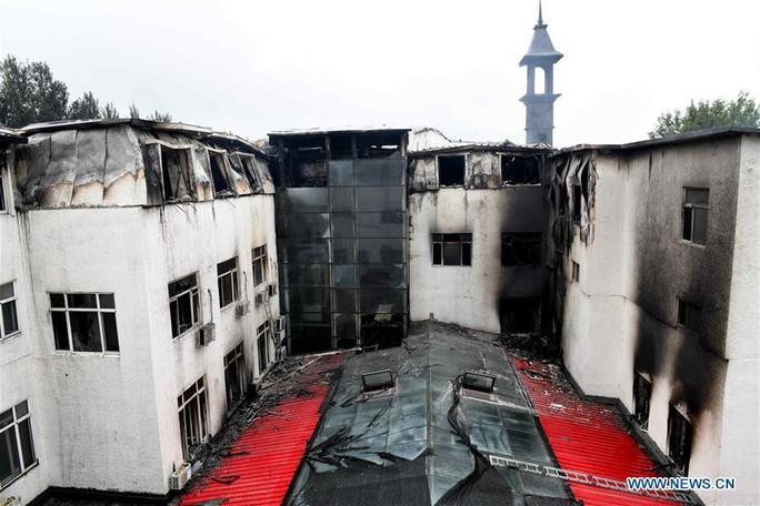 Trung Quốc cháy lớn, Đài Loan lụt sâu - Ảnh 3.