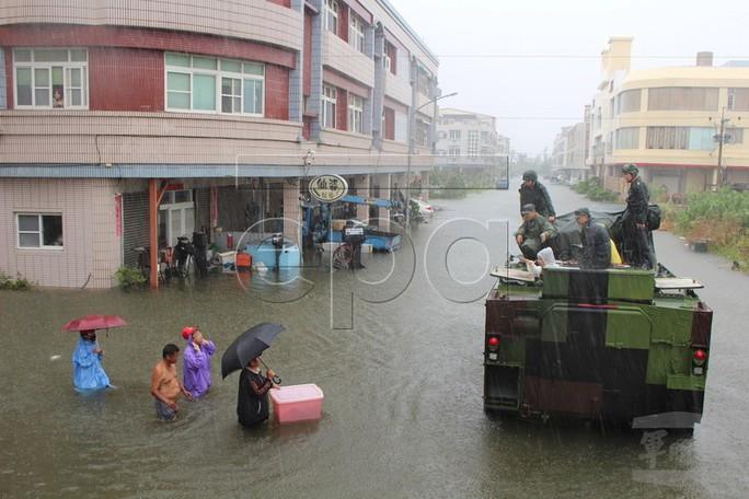 Trung Quốc cháy lớn, Đài Loan lụt sâu - Ảnh 4.