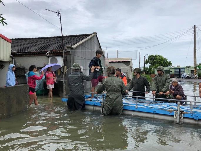 Trung Quốc cháy lớn, Đài Loan lụt sâu - Ảnh 5.