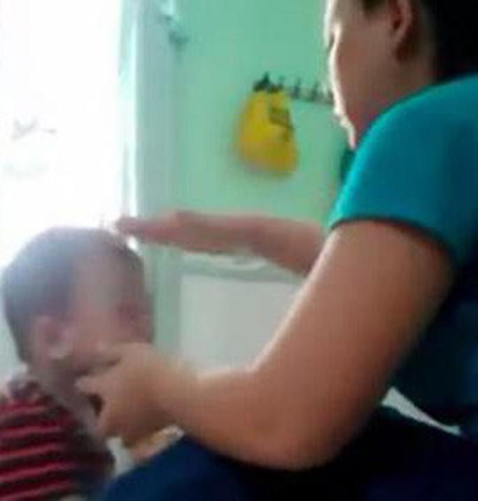 Phẫn nộ với clip bảo mẫu đánh đập dã man trẻ khi cho ăn - Ảnh 6.