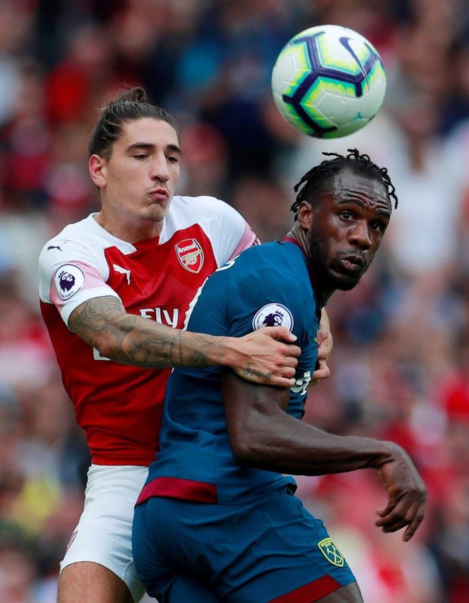Ngược dòng thành công, Arsenal giúp Emery nở mặt - Ảnh 1.