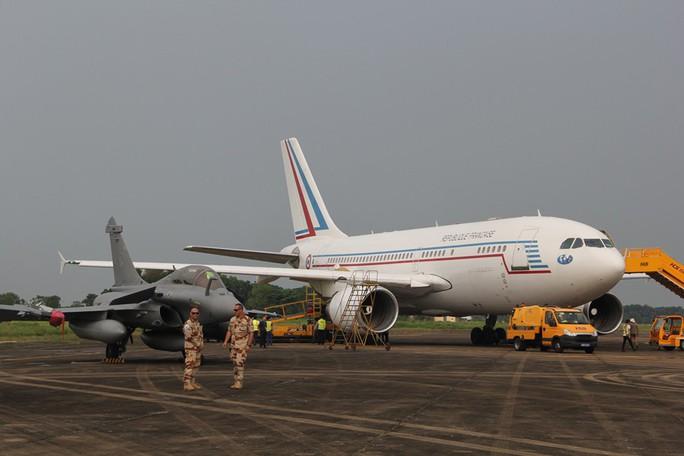 Cận cảnh chiến đấu cơ chủ lực không quân Pháp tới Việt Nam - Ảnh 20.