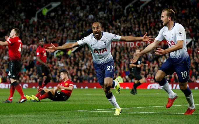 Thua tan nát trên sân nhà, Mourinho nóng mặt với phóng viên - Ảnh 3.