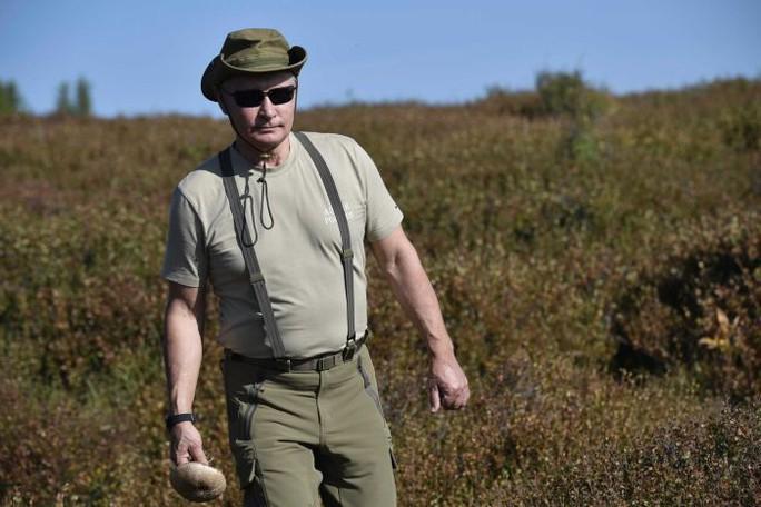 Kỳ nghỉ khỏe khoắn của tổng thống Nga - Ảnh 3.