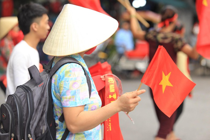 Người hâm mộ cả nước náo nức cổ vũ Olympic Việt Nam - Ảnh 16.