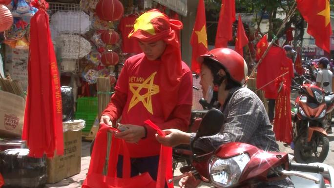 Người hâm mộ cả nước náo nức cổ vũ Olympic Việt Nam - Ảnh 5.