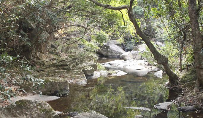 Câu chuyện ám ảnh đằng sau hồ Tân nương - Ảnh 2.