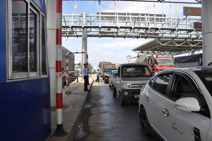 BOT Ninh Lộc cầu cứu vì lại kẹt trạm - Ảnh 1.