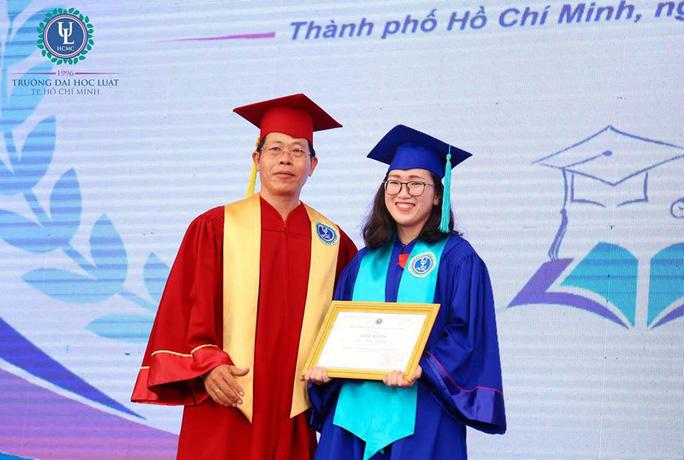 Thủ khoa xuất sắc nhất Trường ĐH Luật TP HCM 35 năm qua - Ảnh 1.