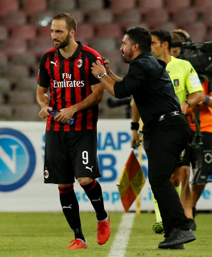 Đối đầu AS Roma: Cơ hội cuối cho HLV Gattuso - Ảnh 2.
