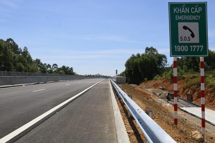Ngắm cao tốc hơn 34.500 tỉ đầu tiên ở miền Trung trước ngày thông xe - Ảnh 6.