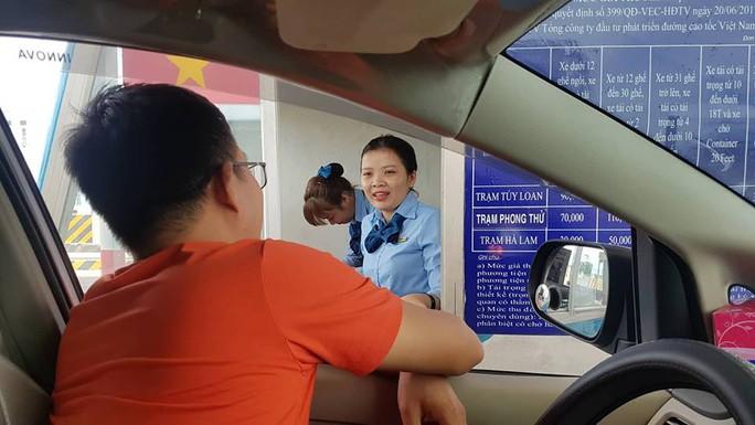 Ngắm cao tốc hơn 34.500 tỉ đầu tiên ở miền Trung trước ngày thông xe - Ảnh 18.