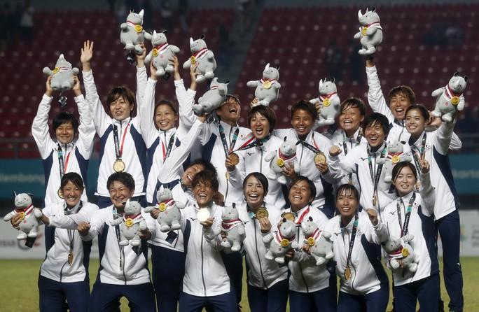 Vượt Trung Quốc, Nhật Bản giành HCV bóng đá nữ - Ảnh 1.