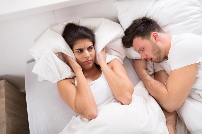 Ngáy khi ngủ: coi chừng bệnh gút! - Ảnh 1.