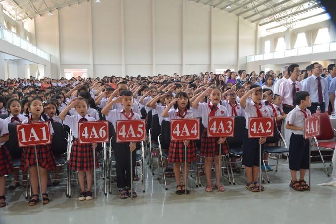 Bộ trưởng Phùng Xuân Nhạ lên Tây nguyên dự khánh thành trường dân lập - Ảnh 2.
