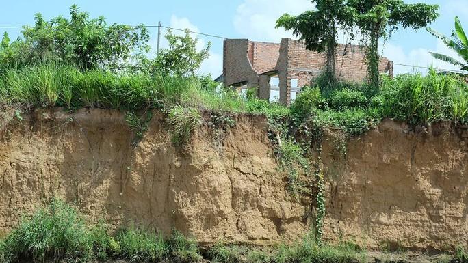 Nhói lòng trước vùng sạt lở dọc sông Đồng Nai - Ảnh 15.