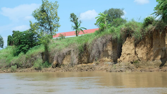 Nhói lòng trước vùng sạt lở dọc sông Đồng Nai - Ảnh 16.
