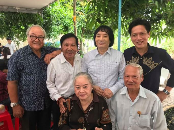 Nghệ sĩ Phương Bình bán 5 căn nhà, 5 xe hơi để …trả nợ - Ảnh 2.