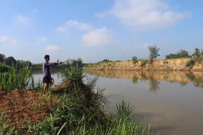 Nhói lòng trước vùng sạt lở dọc sông Đồng Nai - Ảnh 4.