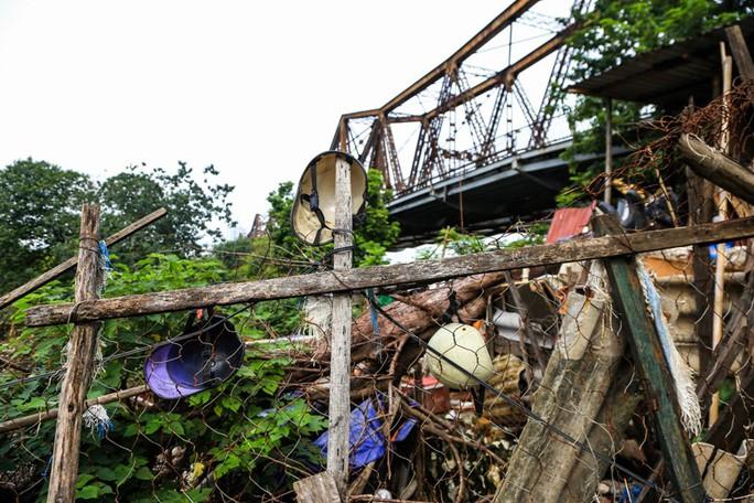 Rùng mình vào xóm rác dưới chân cầu Long Biên - Ảnh 6.