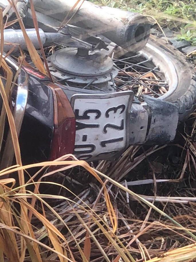 Lại xảy ra tai nạn đường sắt, người đàn ông bị tàu hỏa tông chết - Ảnh 2.