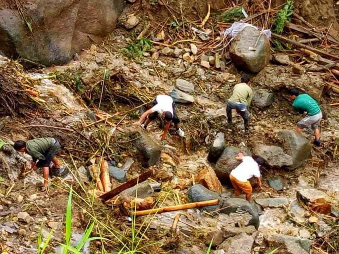 Lai Châu: Sạt lở kinh hoàng, 11 người chết và mất tích - Ảnh 1.