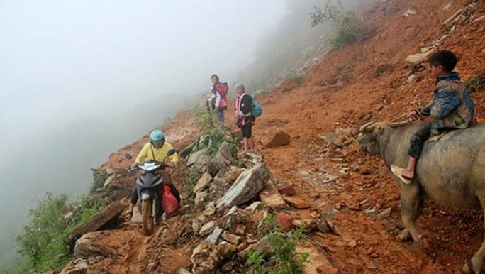Lai Châu: Sạt lở kinh hoàng, 11 người chết và mất tích - Ảnh 2.