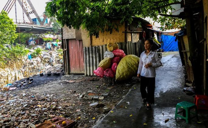 Rùng mình vào xóm rác dưới chân cầu Long Biên - Ảnh 16.