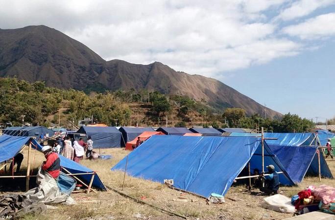 Động đất Indonesia: Du khách ùn ùn tháo chạy khỏi đảo thiên đường - Ảnh 6.