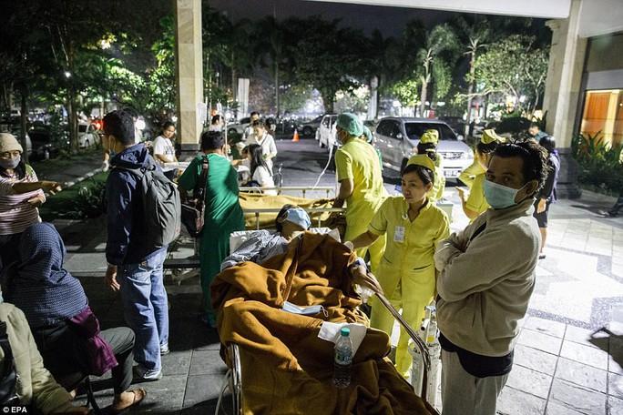 Động đất Indonesia: Du khách ùn ùn tháo chạy khỏi đảo thiên đường - Ảnh 5.