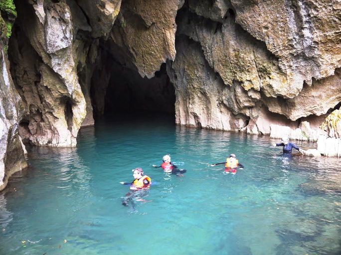 Phát hiện thêm 44 hang động kỳ vĩ ở Phong Nha - Kẻ Bàng - Ảnh 1.