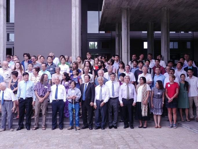 Bình Định đón giáo sư đoạt giải Nobel đến dự lễ kỷ niệm 25 năm Gặp gỡ Việt Nam - Ảnh 1.
