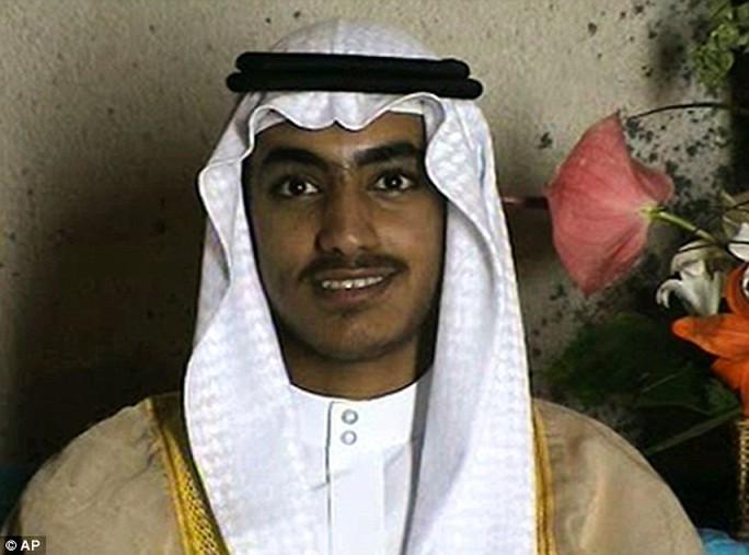 Con trai bin Laden lấy con gái kẻ chủ mưu vụ 11-9 - Ảnh 2.