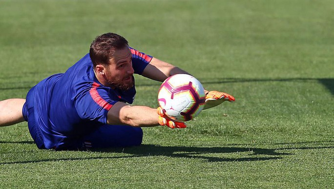 Courtois đào ngũ, Chelsea hỏi mua Jan Oblak 100 triệu euro - Ảnh 5.