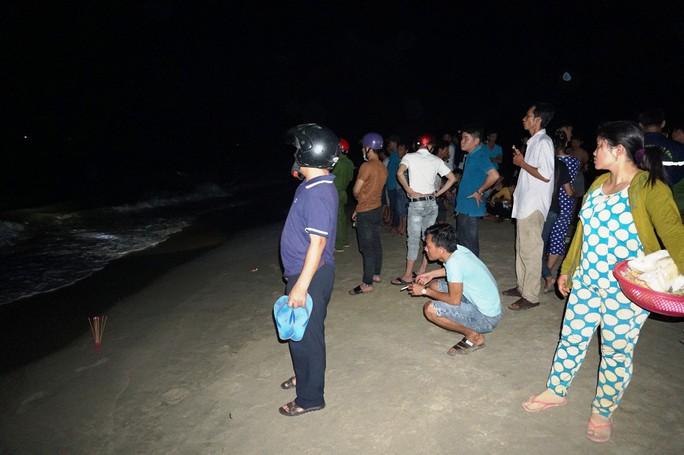Tắm biển, 3 thí sinh vừa đỗ đại học bị đuối nước thương tâm - Ảnh 2.