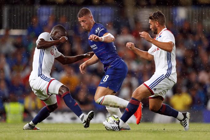 Fan Chelsea hy vọng sẽ khởi đầu suôn sẻ tại Premier League - Ảnh 3.