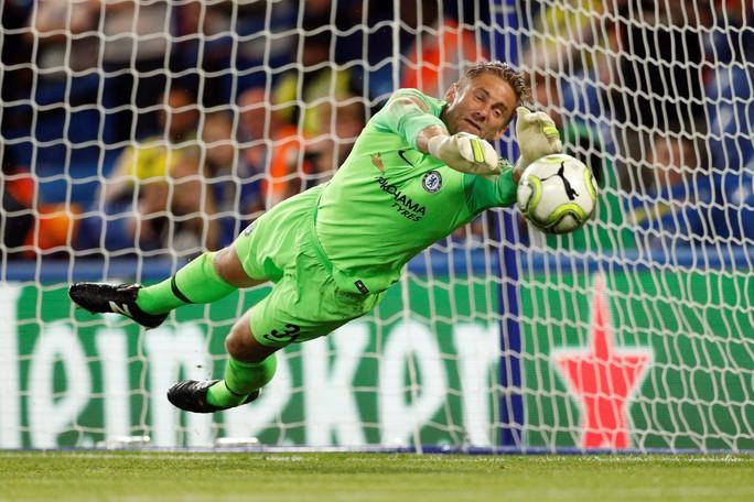 Fan Chelsea hy vọng sẽ khởi đầu suôn sẻ tại Premier League - Ảnh 1.