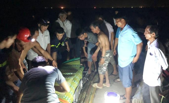 Tắm biển, 3 thí sinh vừa đỗ đại học bị đuối nước thương tâm - Ảnh 1.