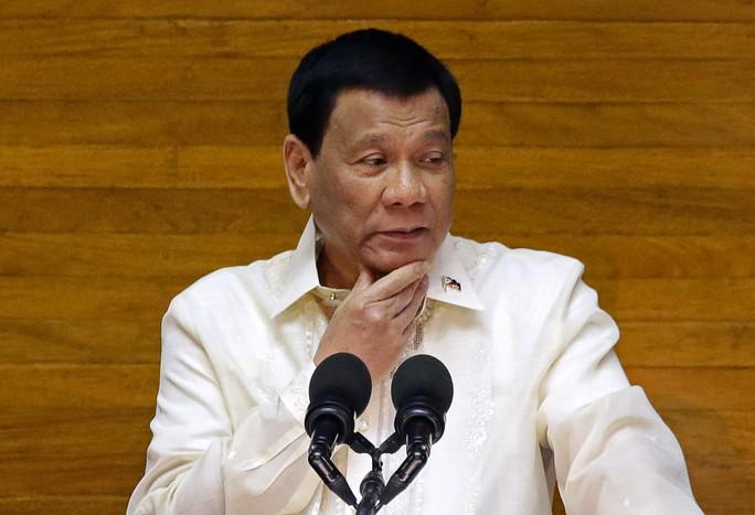 Ông Duterte dọa giết cảnh sát tha hóa trên truyền hình trực tiếp - Ảnh 1.