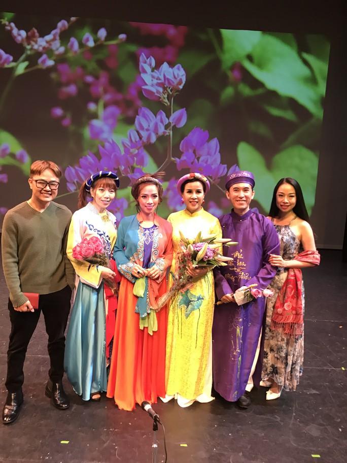 Đông Quân bị mê hoặc bởi âm nhạc truyền thống Việt Nam tại Mỹ - Ảnh 1.
