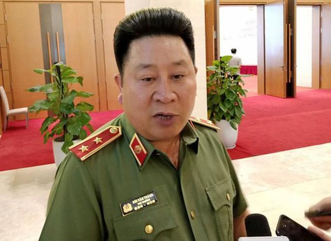 Trình Chủ tịch nước giáng cấp ông Bùi Văn Thành từ Trung tướng xuống đại tá - Ảnh 1.