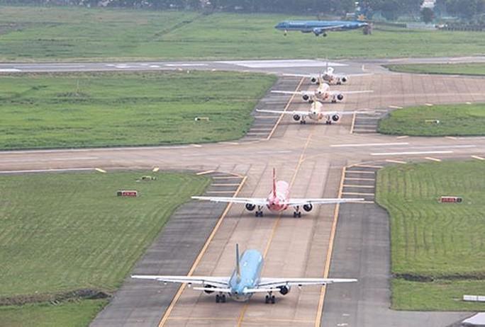 Khắc phục xong sự cố mất điện đường lăn sân bay Tân Sơn Nhất - Ảnh 1.