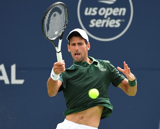 Nadal vào tứ kết Rogers Cup, Djokovic đập vợt vì bị loại - Ảnh 3.