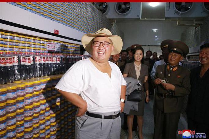 Hình ảnh lạ của ông Kim Jong-un - Ảnh 1.