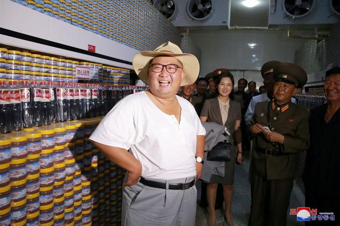 Hình ảnh lạ của ông Kim Jong-un - Ảnh 3.