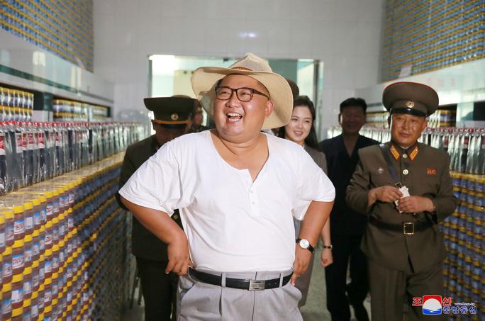 Hình ảnh lạ của ông Kim Jong-un - Ảnh 4.