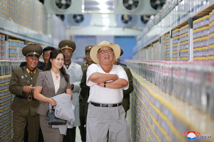 Hình ảnh lạ của ông Kim Jong-un - Ảnh 5.