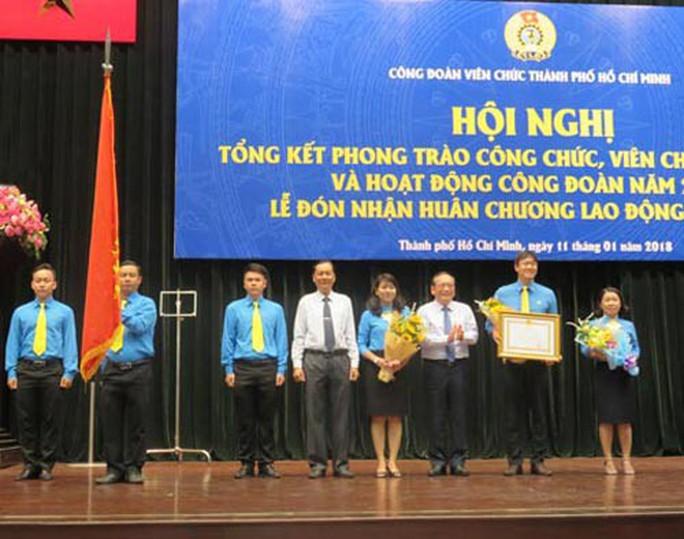 Công đoàn Viên chức TP HCM đón nhận Huân chương Lao động hạng ba - Ảnh 1.