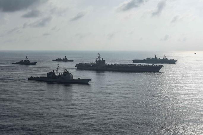 Tàu sân bay Mỹ - Nhật tập trận chung ở biển Đông - Ảnh 3.